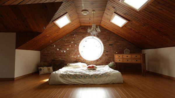¿Por qué tengo que utilizar aislantes en el techo?